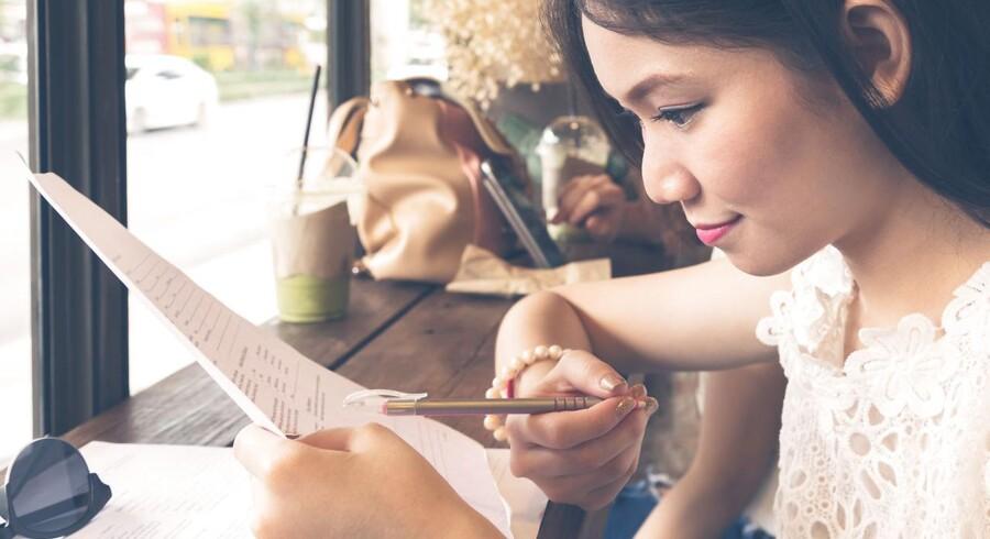 Modelfoto. Over en million kinesere tager senere på måneden den frygtede eksamen, der kan give adgang til et job i staten. Næsten 10.000 har søgt den samme stilling.