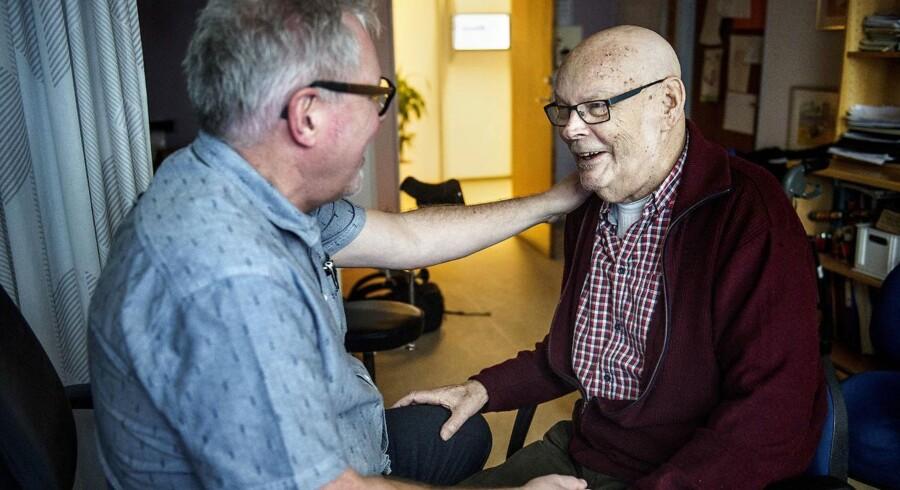 Bjarni Fischer har fået stor hjælp og støtte af sin praktiserende læge Helge Madsen under sit kræftforløb. Samme store støtte skal langt flere kræftsyge danskere have fremover, fremgår det af nyt udspil