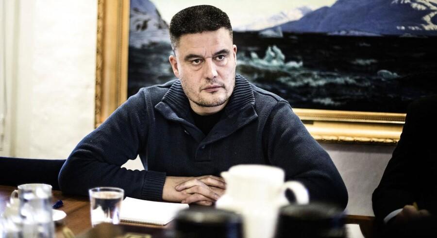 Socialdemokratiske Kim Kielsen kan fortsætte som landsstyreformand, efter at han blev genvalgt som partileder.