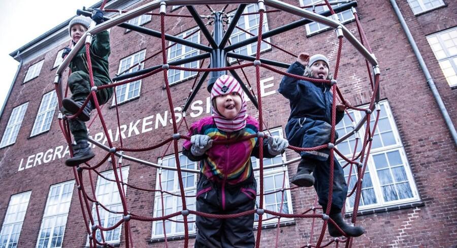 5-årige Milo, Asiri og Olaf skal starte i skole til sommer og troede, at det skulle være på Lergravsparkens Skole på Amager. I stedet står de til at skulle starte på en helt ny skole, som ikke findes før 2023.
