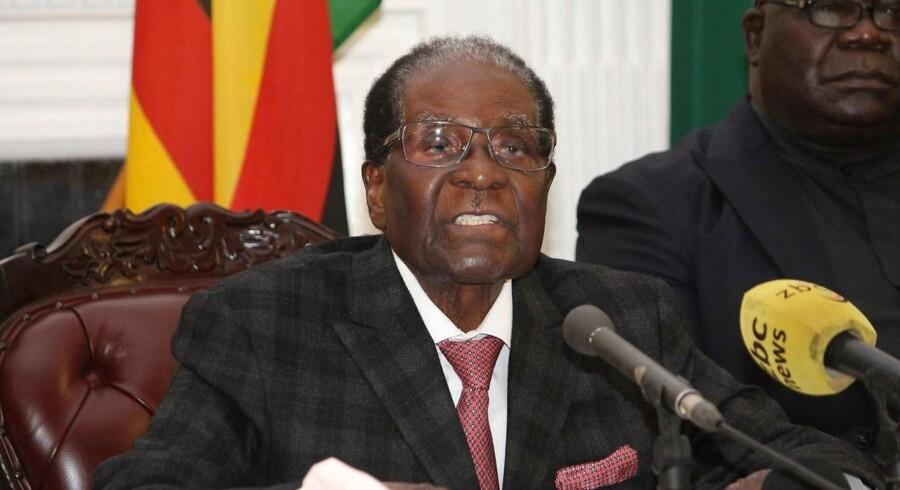 Zimbabwes mangeårige præsident Robert Mugabe har fået landets veteraner imod sig i kampen om posten.