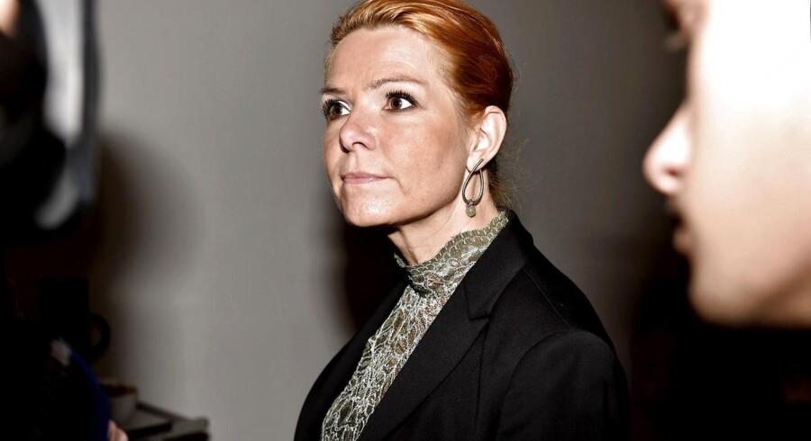Siden 1989 har Danmark via FN's Flygtningehøjkommissariat (UNHCR) modtagetomkring 500 kvoteflygtninge om året direkte fra flygtningelejre og alverdens brændpunkter. Men sådan skal det ikke være længere, har udlændinge- og integrationsminister Inger Støjberg besluttet.