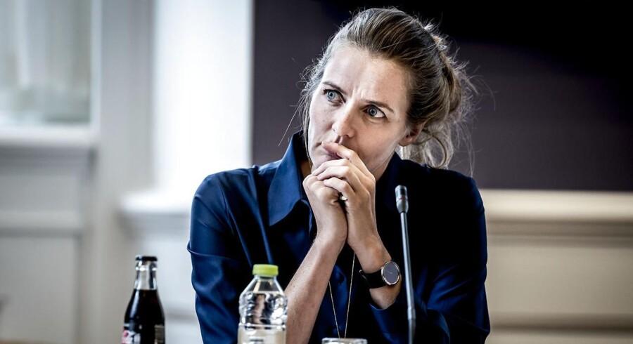 Sundhedsminister Ellen Trane Nørby (V) skal svare på, hvad hun vil gøre for at forhindre, at lægevagtskonsultationerne i Region Sjælland lukker i Ringsted, Kalundborg, Nykøbing Sjælland, Vordingborg og Nakskov.