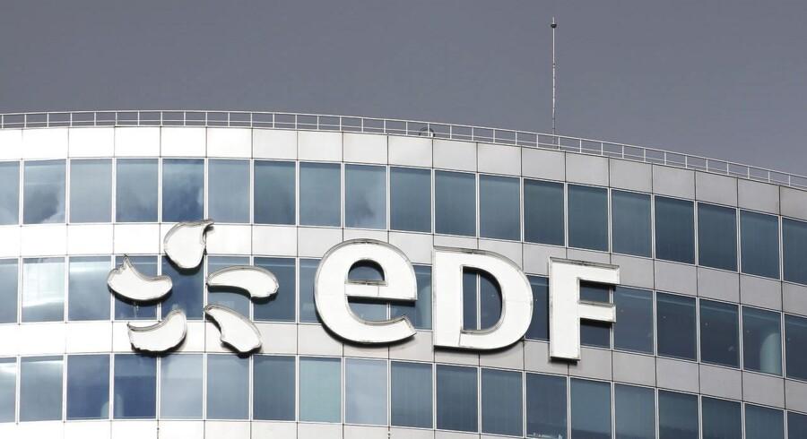 Arkivfoto. En kommende kapitalrejsning til rabatpris koster på børsen for Électricité de France, EDF, der onsdag rammer sit laveste niveau nogensinde i sine 11 år som noteret aktie.