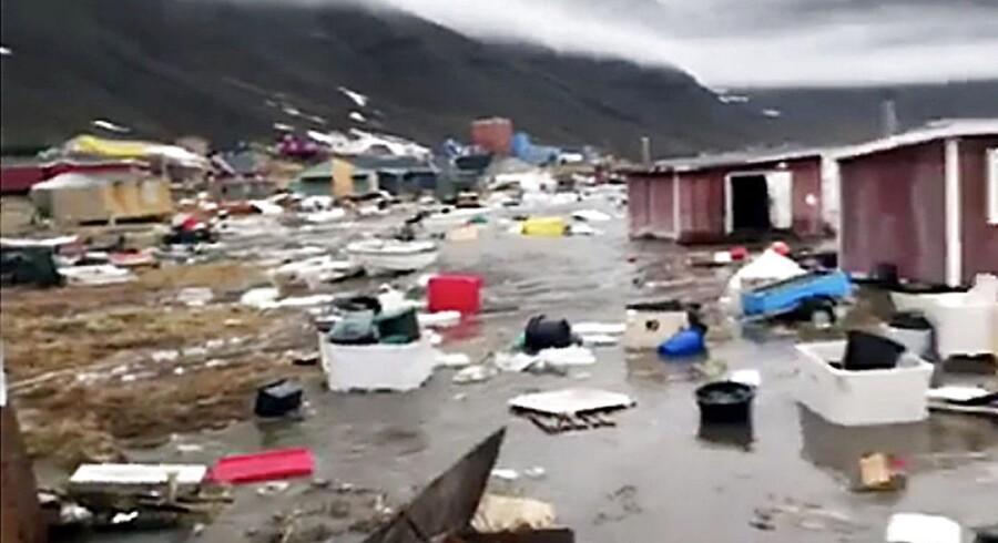 Jordskælv og tsunami skaber oversvømmelser i Grønland. Store oversvømmelser i det vestlige Grønland skyldes et stort jordskælv tæt på Nuugaatsiaq.