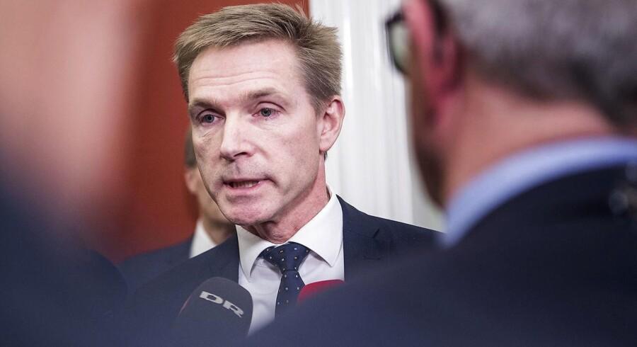Det er tid til at gøre op med blokpolitikken. Fløjpartierne skal have mindre indflydelse, og de store partier skal kunne samarbejde hen over midten, lyder det fra Dansk Folkepartis formand, Kristian Thulesen Dahl.