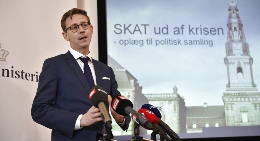 Sådan her så det ud, da Karsten Lauritzen (V) præsenterede sin første kriseplan som skatteminister i september 2015. De færreste vil nok i dag hævde, at Skat er ude af krisen her halvandet år senere, men i starten af det nye år fremlægges planerne for det som er døbt »Et ny skattevæsen«
