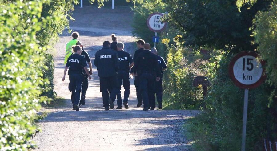 Politiet har gennemsøgt kolonihaver i et nyt forsøg på at finde Emilie Meng, der forsvandt i Korsør 10. juli.