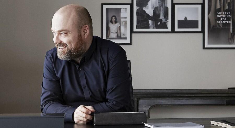 Bestsellers ejer, Anders Holch Povlsen, har stor respekt for de udfordringer, digitaliseringen medfører. Nu investerer han massivt i et varelager i Polen, der skal servicere 15 europæiske markeder.