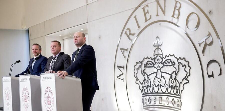Nyt regeringsgrundlag præsenteres på Marienborg . Lars Løkke, Søren Pape og Anders Samuelsen. (Foto: Keld Navntoft/Scanpix 2016)