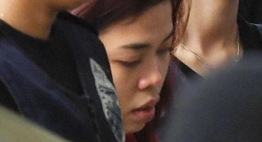Indonesiske Siti Aisyah ankommer til retten i Kuala Lumpur i Malayasia. Hun er sammen med en vietnamesisk kvinde anklaget for mordet på Kim Jong-nam, halvbror til Nordkoreas leder.