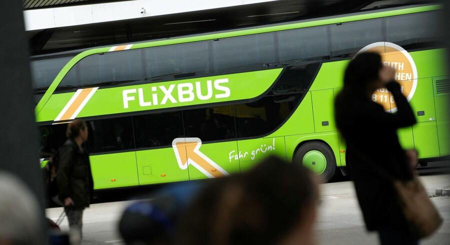 Arkivfoto: Det tyske busselskab Flixbus beskyldes af konkurrenter for at tage ufine metoder i brug for at markedsføre sig selv. Kunder melder sig blandt de kritiske røster og beretter om bureaukratiske kampe med selskabets udenlandske kundeservice.