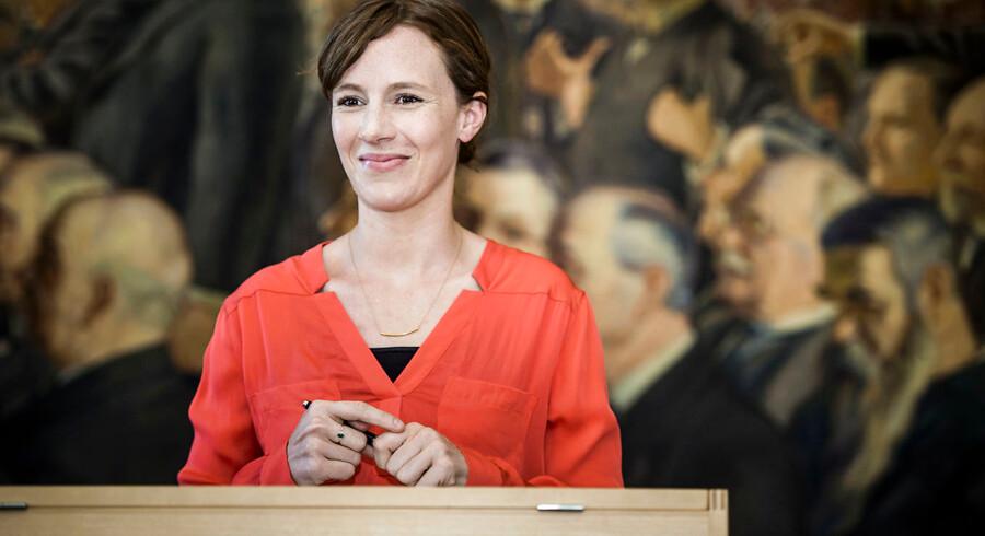 Formanden for Folketingets skatteudvalg, Lea Wermelin (S), afviser kritik af den kommende skattekommission.