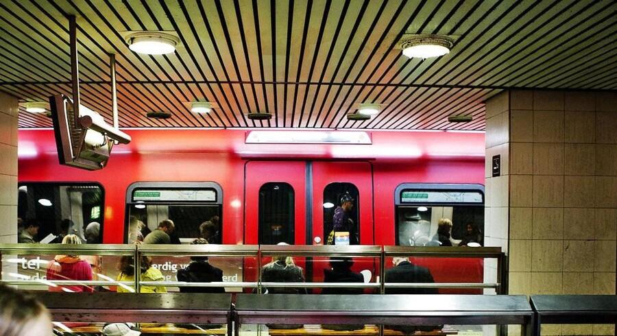 Regeringens plan om at skifte lokomotivføreret ud med fuldautomatik i de københavnske S-tog, vil betyde flere afgange og færre forsinkelser, vurderer transportforsker.
