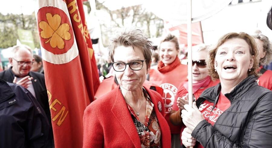 Grete Christensen foran Forligsinstitutionen hvor overenskomstforhandlingerne finder sted fredag den 27. april 2018. Forhandlingsparterne på det kommunale område har netop indgået en overenskomst.(Foto: Martin Sylvest/Scanpix 2018)