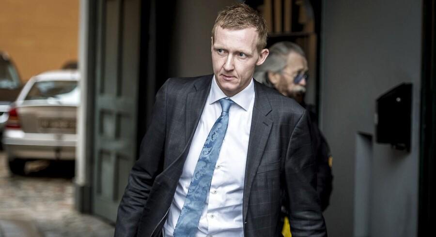 Anklager Jakob Buch Jepsen fremlagde 4. april op fra en rapport med over 100 filer fra computere og eksterne harddiske, der er fundet i Peter Madsens Rumlaboratorium
