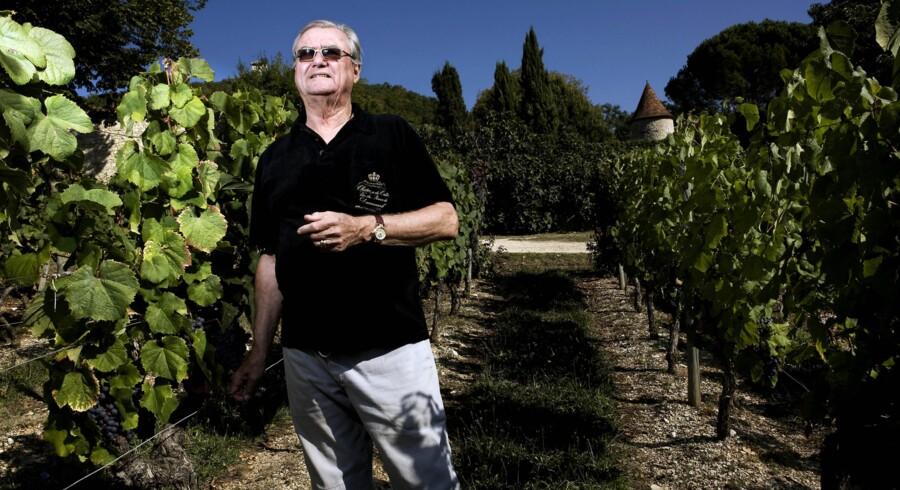 Prins Henrik på det franske vinslot Chateau de Cayx. Efterspørgslen efter slottets vin er steget siden nyheden om prinsgemalens død. Scanpix/Erik Refner