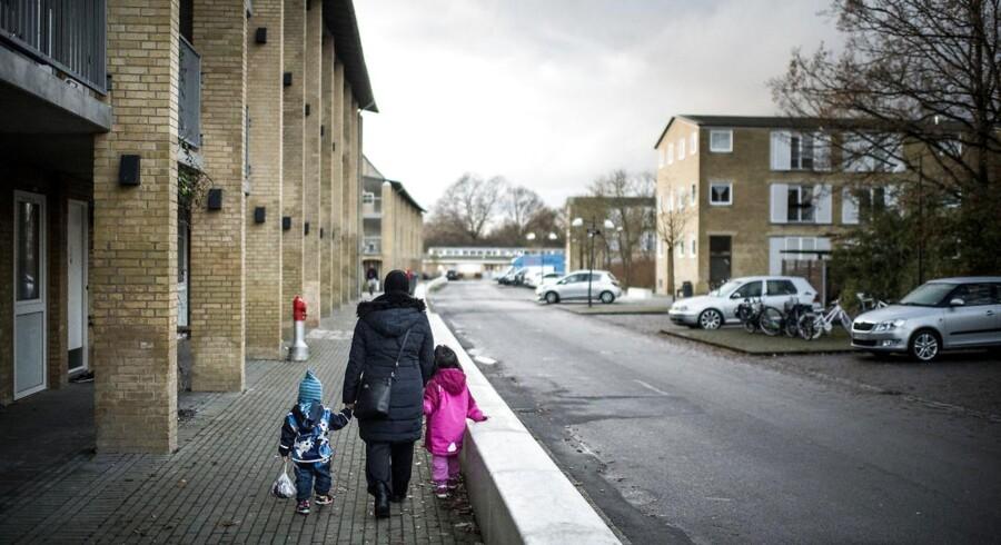 Tingbjerg er et af de områder i København, der er på regeringens seneste ghettoliste fra 1. december 2017. Flere borgmestre mener, at ordet ghetto er stigmatiserende og ønsker, at landets udsatte boligområder kaldes noget andet.