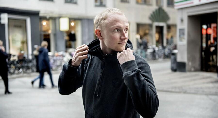 Rasmus Filipsen er en af Danmarks mest succesrige e-sportspillere. Fra sit hjem i USA tjener han årligt et tocifret millionbeløb på at spille spillet DOTA 2.