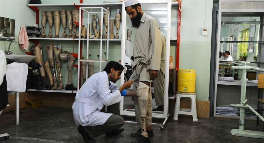 Arkivfoto: Røde Kors lukker afghanske kontorer efter angreb.