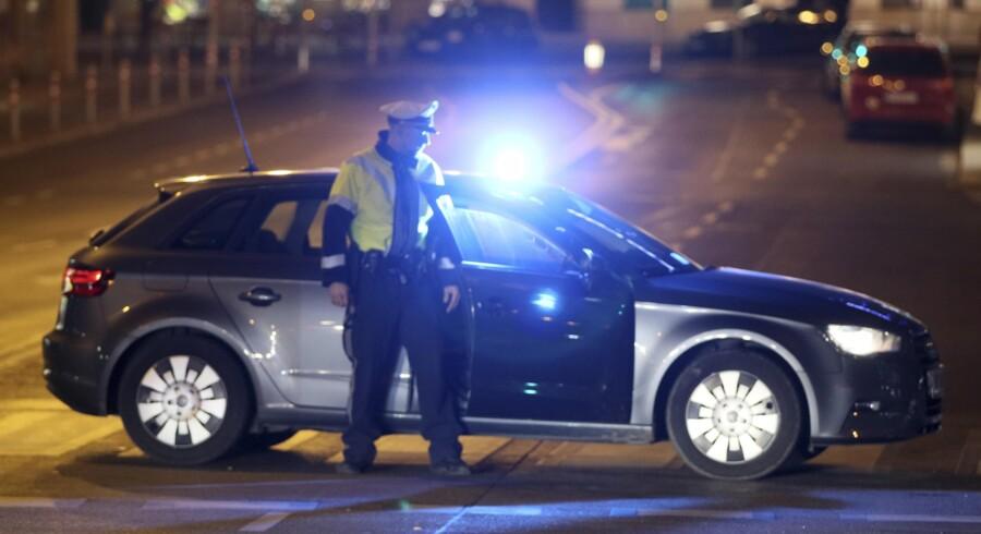En ung østrigsk mand blev skudt og dræbt, da han angreb en sikkerhedsvagt ved den iranske ambassadørbolig i Wien søndag aften. Scanpix/Ronald Zak/arkiv