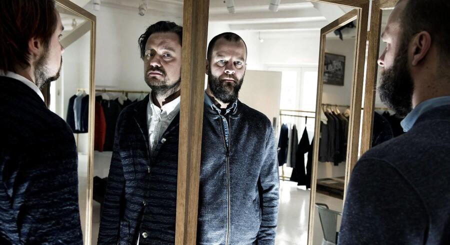 Victor Lindh (tv.) stiftede firmaet i 2007 sammen med Ulrik Pedersen (th.), der nu er ude af selskabet. I 2008 blev Tommy Holte en del af modefirmaet, der siden stiftelsen ikke har oplevet underskud.