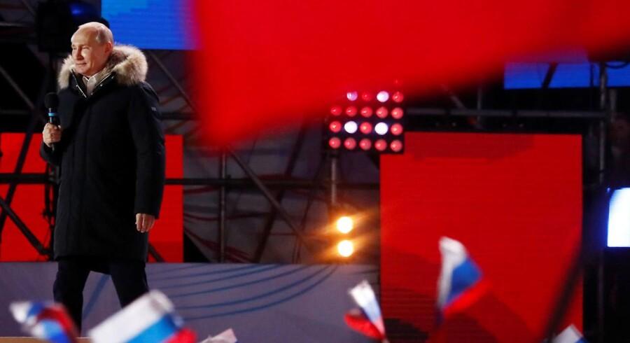 Søndagens valg i Rusland fandt sted i et klima af pres på vælgere og uden reel konkurrence, siger OSCE.
