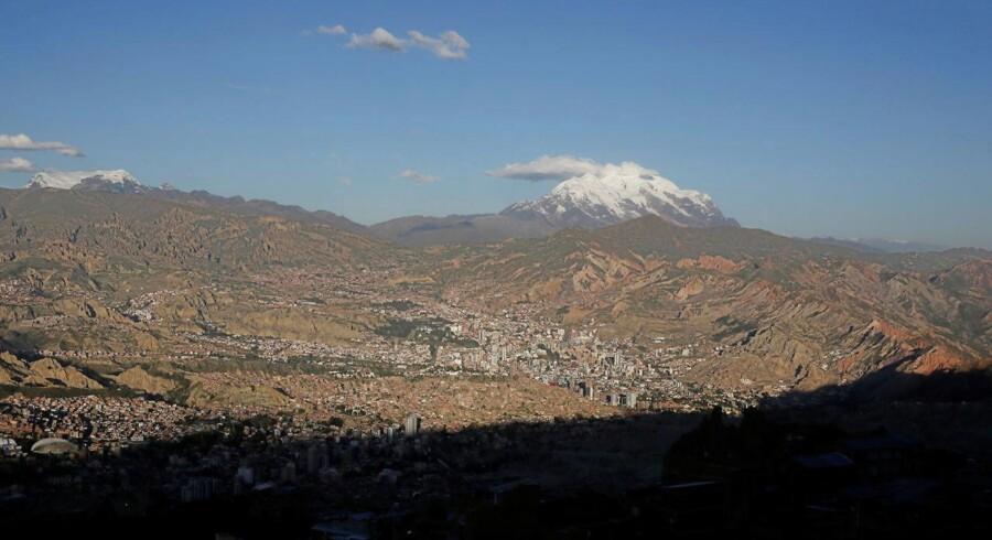 Ulykken skete på bjerget Illimani, der rager 6438 meter op i skyerne i den bolivianske del af Andesbjergene.