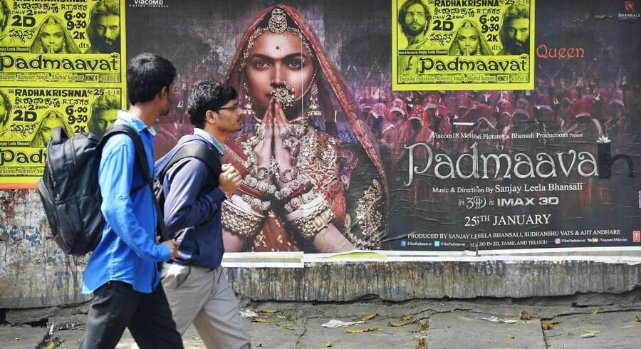 Torsdag er der indisk premiere på en ny bollywoodfilm, der giver anledning til demonstrationer og vold.