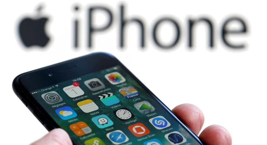 Man har ret til at få en fabriksny telefon, hvis ens gamle er defekt - og det gælder også Apple. Arkivfoto: Regis Duvignau, Reuters/Scanpix