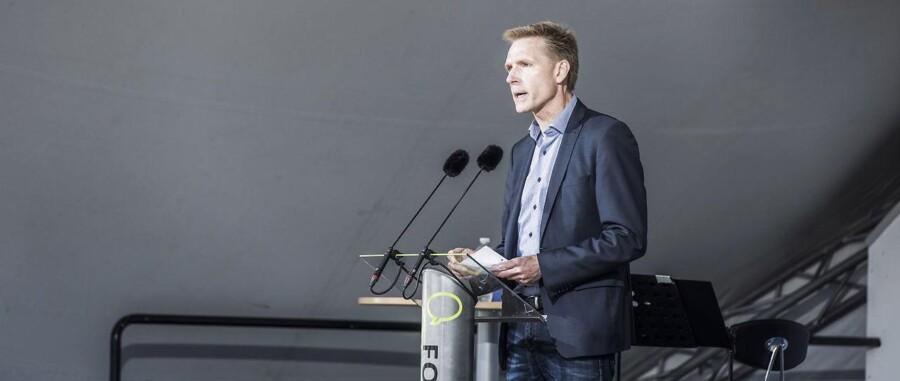 Dansk Folkepartis formand Kristian Thulesen Dahl holder partiledertale på den store scene til Folkemødet.