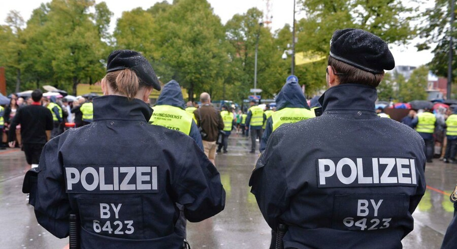 Tyskerne er i stigende grad bekymret for terror og kriminalitet. Forud for søndagens valg har politiske partier travlt med at garantere lov og orden.