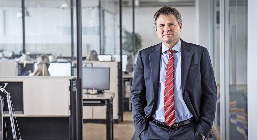 Jesper Berg har som tidligere direktør i Nykredit Bank siddet med ved bordet, da der skulle ryddes op i de ulyksalige ejendomslån i Forstædernes Bank, som Nykredit overtog få dage inde i finanskrisen. I dag er Jesper Berg direktør i Finanstilsynet, og i den kapacitet advarer han i dag de mindre pengeinstitutter om at være forsigtige med lånene til ejendomsprojekter.