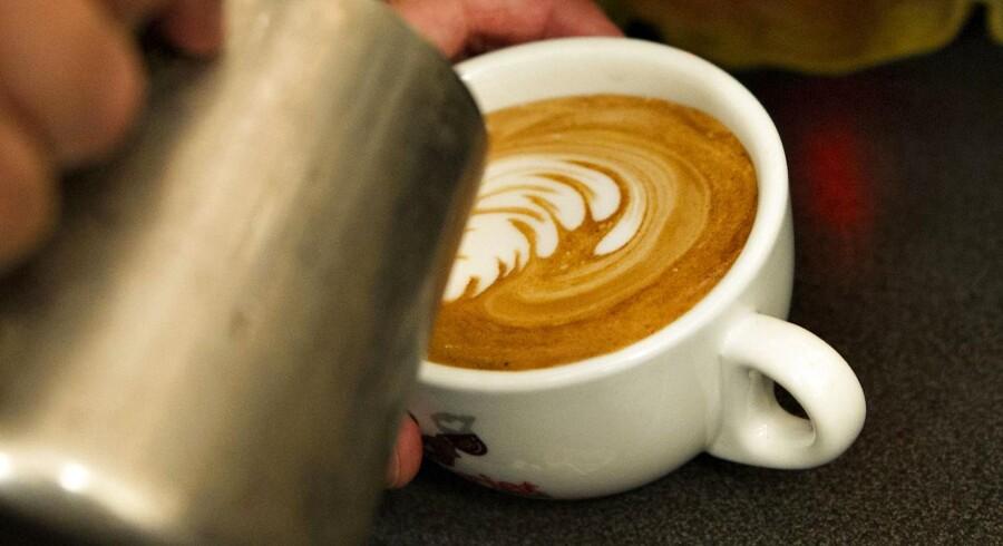 Kaffebarerne i Danmark brygger i øjeblikket for fuld damp.