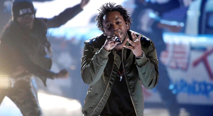 Kendrick Lamar er blandt de kunstnere, der skal dyste mod modstandere af begge køn ved uddelingen.