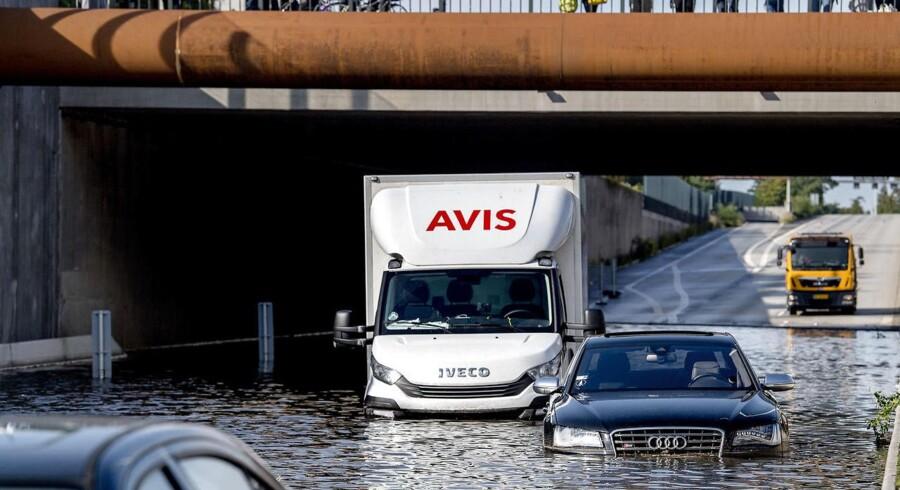 Søndag d. 17. september 2017 blev Lyngby Motorvejen endnu engang oversvømmet, efter et voldsomt uvejr havde ramt København med store mængder regn og hagl.. (Foto: Bax Lindhardt/Scanpix 2017)