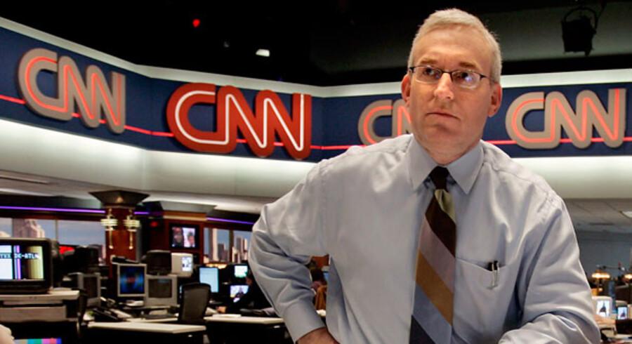 Anmelderne kalder CNNs nye aftenshow alt fra kikset og akavet til forældet og overfladisk, og det pressede TV-selskabs tidligere direktør, Jonathan Klein, blev da også fyret ti dage før, showet gik i luften.