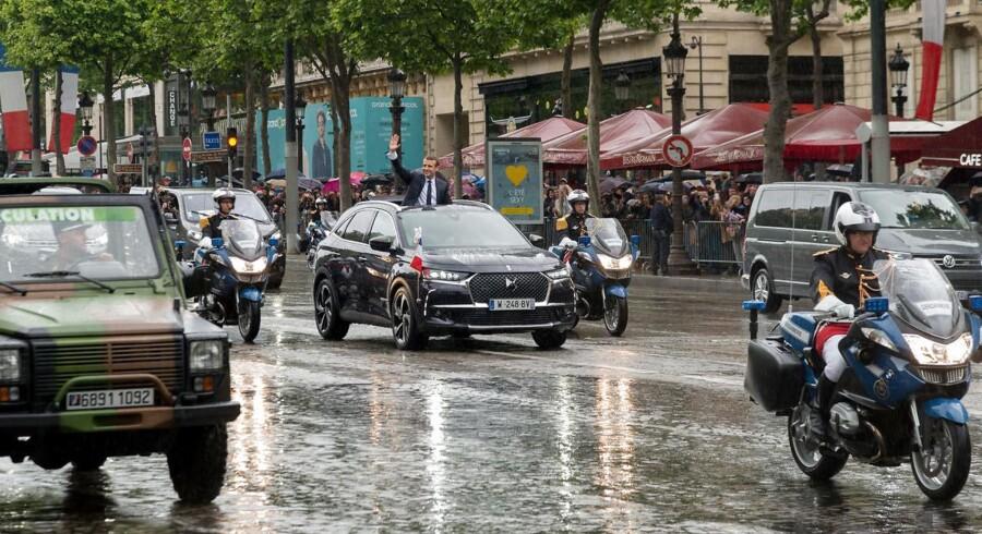DS 7 Crossback med præsident Macron