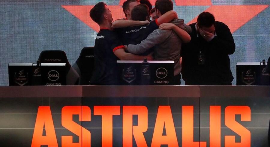 (ARKIV) Det danske esportshold Astralis var overlegne i ECS Season 5 i London. Finale blev vundet efter to baner. Det skriver Ritzau, mandag den 11. juni 2018.. (Foto: Kevin C. Cox/Ritzau Scanpix)