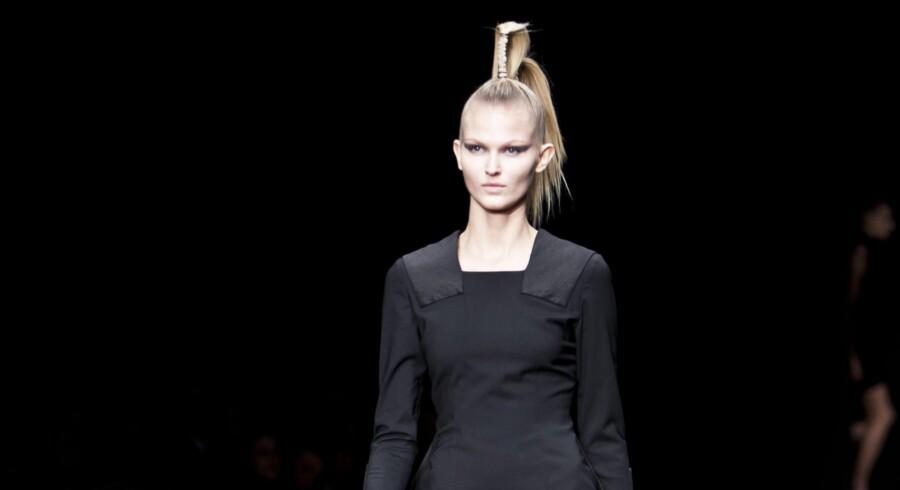Den højeste omsætning, modebranchen i Danmark nogensinde har oplevet, er sat i bero. Det viser ny analyse fra Dansk Mode og Textil. Sidste år oplevede branchen en vækst på 5 procent - svarende til 42,2 milliarder kroner. Nu går modebranchen samlet 0,5 procent tilbage. Scanpix/Andreas Beck