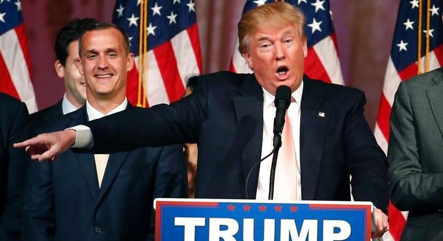 Trump-kampagnen har ifølge meningsmålinger været i frit fald i kølvandet på Orlando-massakren. Og nu har den republikanske præsidentkandidat valgt at sige farvel til sin omstridte kampagnechef Corey Lewandowski (t.v.).