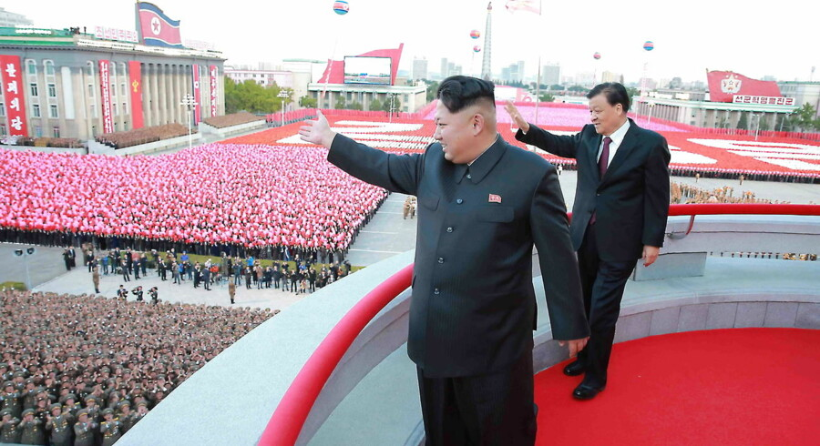 I weekenden fejrede Nordkorea 70-året for grundlæggelsen af det koreanske kommunistiske parti, hvor Kim Il-sung blev valgt til at partiets formand (og landets præsident for evigt).Fejringen foregik på den for omverdenen velkendte facon, med fyrværkeri, militærparader og store samlinger i hovedstaden Pyongyang, hvor landets leder Kim Jong-un var tilstede med højtstående partifæller.