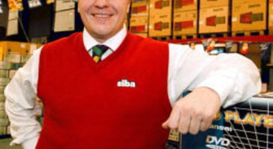Fabian Bengtsson fotograferet i en af familiens forretninger i 2001. Arkivfoto: AFP