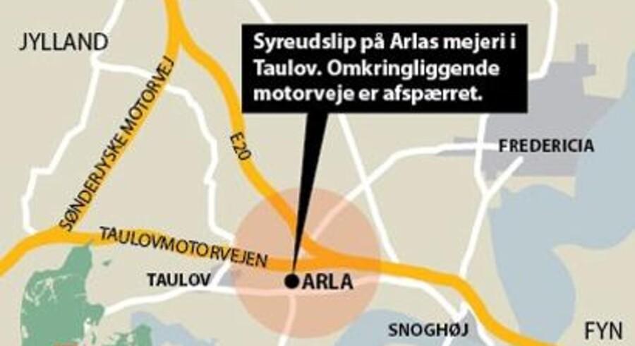 Beboere i Taulov skulle blive indendøre og motorveje blev spærret af eftr giftudslip på Arla Ostemejeri.