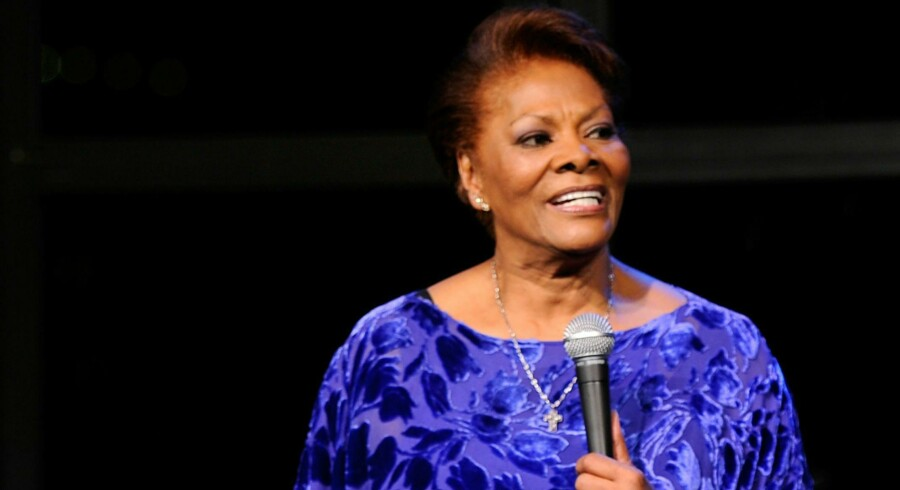 Dionne Warwick, der er Whitney Houstons kusine, har med sangen »That's what friends are for« været med til at sætte fokus på AIDS.