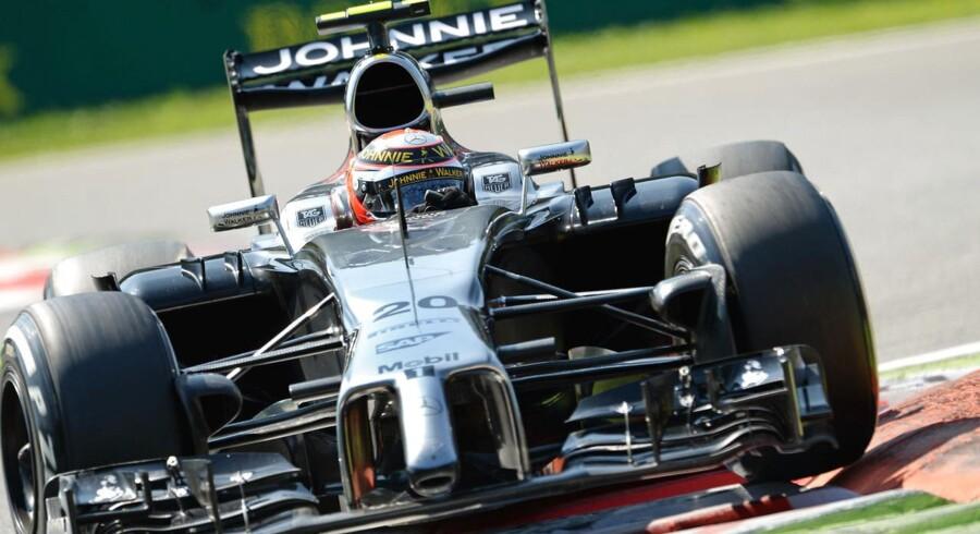 Kevin Magnussen fik en fantomstart på Formel 1-løbet i Monza og overhalede tre konkurrenter inden første sving.