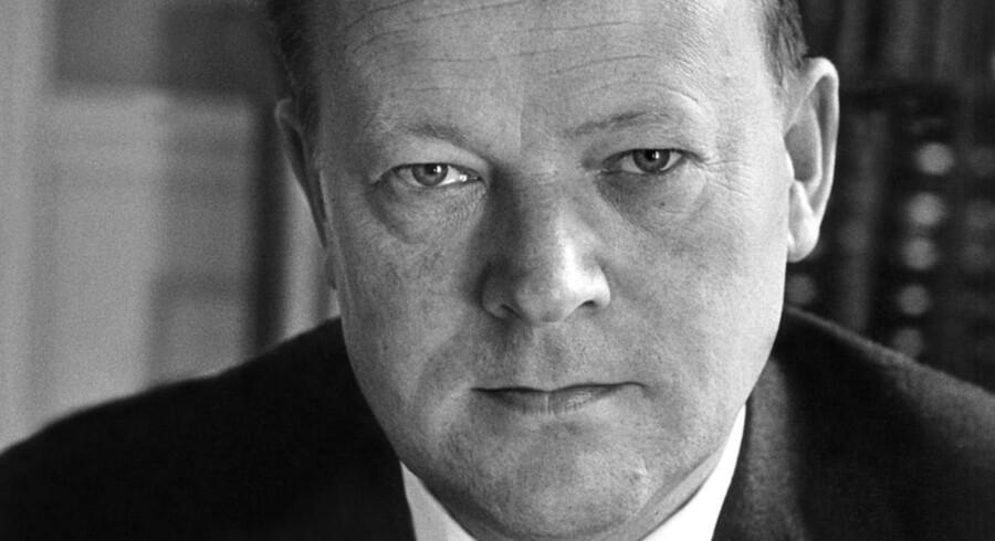 I dag ville tidligere statsminister Jens Otto Krag være fyldt hundrede år. Se billederne fra den fremtrædende socialdemokrats liv her.
