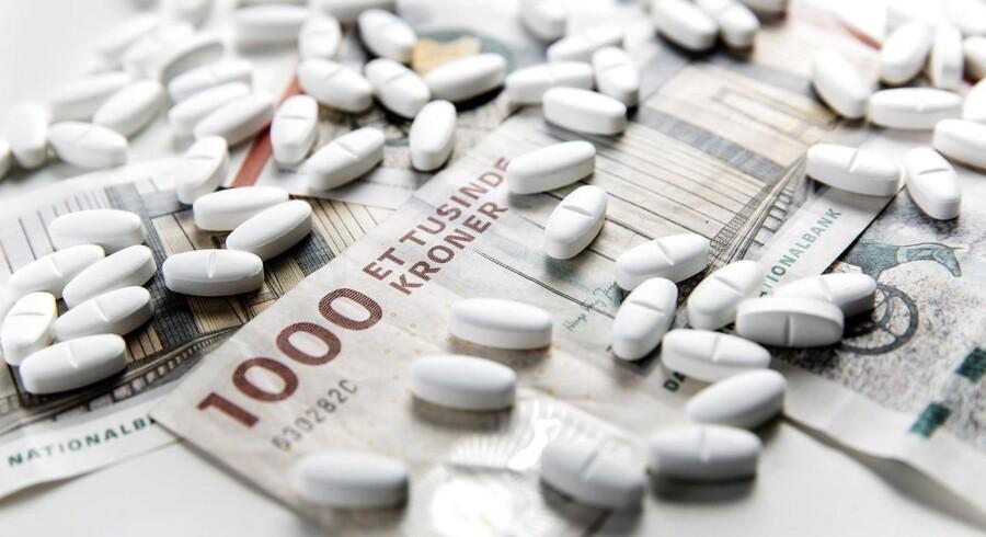 Regeringen og Danske Regioner har indgået en aftale med Lægemiddelindustriforeningen, der betyder, at listepriserne på medicin sænkes med 10 pct. over en 3-årig periode.