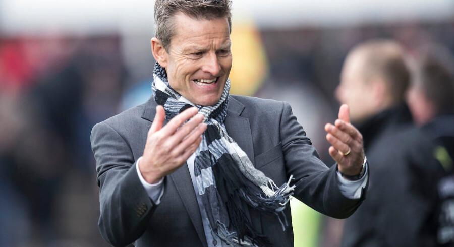 Lars Søndergaard var svært utilfreds med dommer Dennis Mogensen i lørdagens Superliga-kamp. ARKIVFOTO