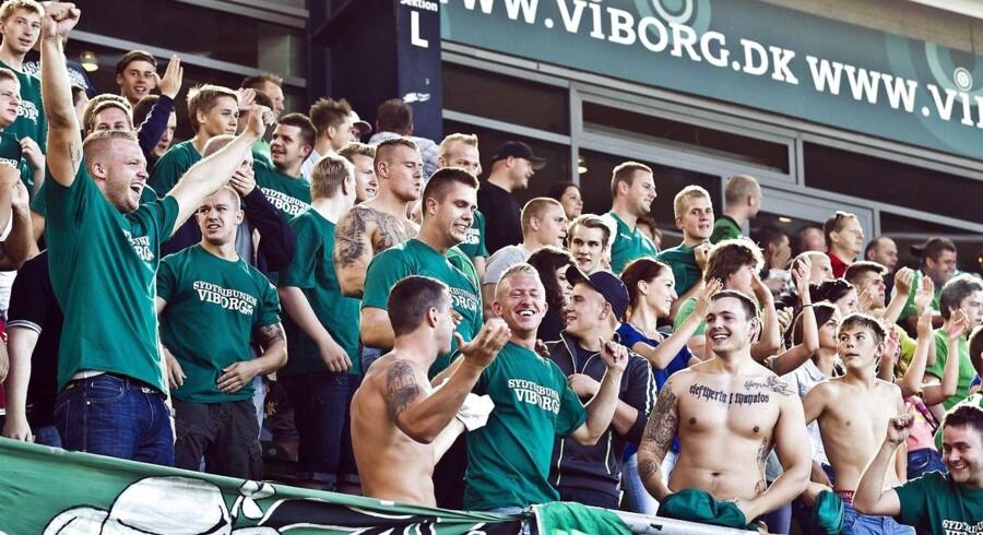 Kommunernes indirekte støtte til de store fodboldklubbers stadioner er i søgelyset.